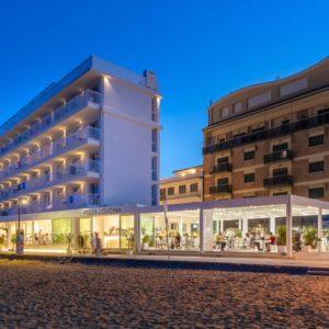 hotel-stellamare-caorle-pergola-bioclimatica-more-space-06q