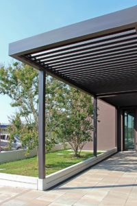 ingresso-dirigenziale-treviso-pergola-bioclimatica-more-space-gallery-3-v